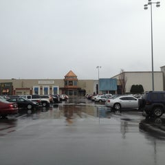 Photo taken at Oxmoor Center by Da Jung C. on 3/1/2013
