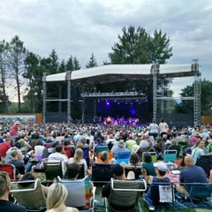 Photo taken at Edgefield Concerts On The Lawn by Peter Y. on 8/10/2015