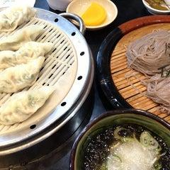 Photo taken at 그집 (Gujip Restaurant) by Kyungdahm Y. on 7/11/2013