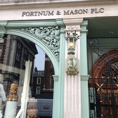 Photo taken at Fortnum & Mason by Jiranan I. on 4/8/2013