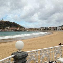 Photo taken at Café de La Concha by 2LOVERS D. on 11/21/2012