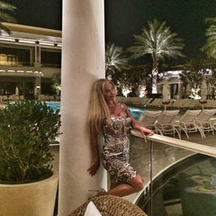 Photo taken at Eastside Lounge at Encore Las Vegas by XtremeAmore . on 7/3/2014
