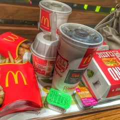Photo taken at McDonald's by 'Baptiste T. on 10/19/2014