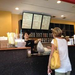 Photo taken at Hanco's Bubble Tea & Vietnamese Sandwich by Peter T. on 8/24/2012