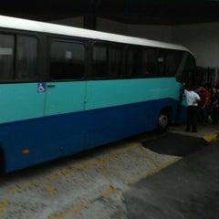 Photo taken at Terminal Empresarios Unidos by Ricardo J. A. on 4/2/2012