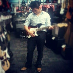 Photo taken at Guitar Center by Ramon S. on 9/6/2012