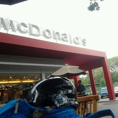 Photo taken at McDonald's by Agus R. on 5/5/2012