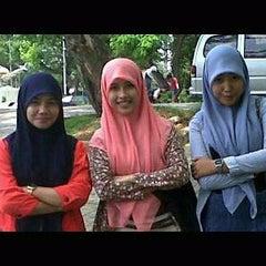 Photo taken at Warung Tenda Krakatau Junction by higdya a. on 2/26/2012