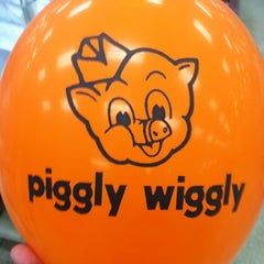 Photo taken at Piggly Wiggly by Kevin C. on 7/19/2012