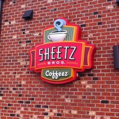 Photo taken at SHEETZ by Gaylan F. on 2/28/2012