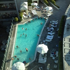Photo taken at Loews Hollywood Hotel by @jasonyi924 on 8/19/2012