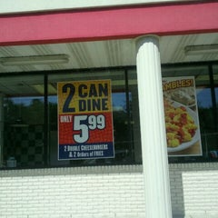 Photo taken at Huddle House by Rich A. on 4/1/2012