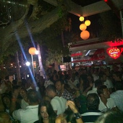 Photo taken at Küba Restaurant & Lounge Bar by poLaT on 7/21/2012