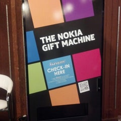 Photo taken at Nokia Gift Machine @ App Campus – Disrupt San Fran by Amit R. on 9/11/2012