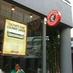 Photo taken at Chipotle Mexican Grill by Alberto C. on 7/15/2012