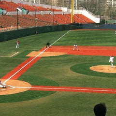 Photo taken at 목동야구장 (Mokdong Baseball Stadium) by Cho S. on 3/21/2012