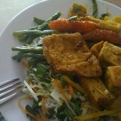 Photo taken at Cơm Chay ( quán 46) by Grandy Nhan on 4/17/2012