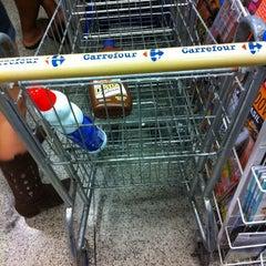 Photo taken at Carrefour Bairro by Leonardo N. on 6/30/2011