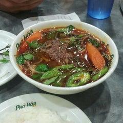Photo taken at Pho Hoa by Derek L. on 6/5/2012