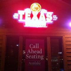 Photo taken at Texas Roadhouse by Lyn C. on 3/10/2012