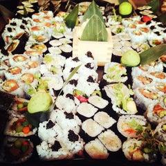 Photo taken at Blue Ribbon Sushi Izakaya by Gary R. on 8/30/2012