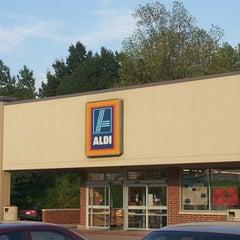 Photo taken at Aldi by Dan L. on 8/4/2012
