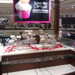 Photo taken at Love Me Right Gourmet Cupcakes by The Candace B. on 1/24/2012