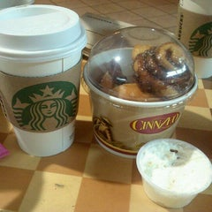 Photo taken at Starbucks by James HanJoo P. on 9/14/2011