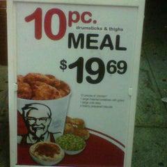Photo taken at KFC by Luis G. on 8/9/2011