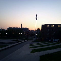 Photo taken at Sigma Sigma Commons - University of Cincinnati by Mike B. on 9/13/2011