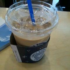 Photo taken at EDIYA COFFEE by Cheul K. on 9/15/2011