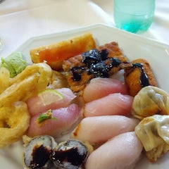 Photo taken at Kamiya Sushi & Sukiyaki by Marcel S. on 8/16/2012