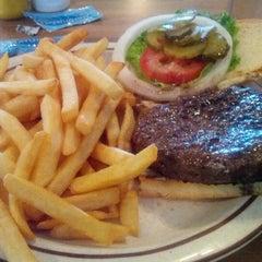 Photo taken at Burger Pit by Hong C. on 7/23/2012