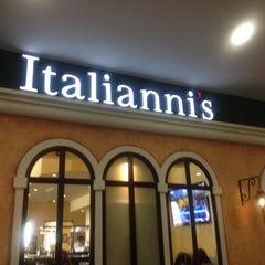 Photo taken at Italianni's by Regina D. on 8/6/2012