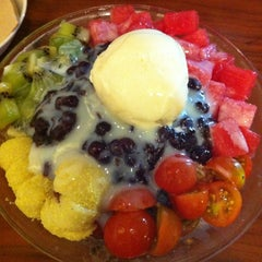 Photo taken at Caffe' muco by Kyoung-hee on 8/30/2012