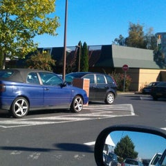 Photo taken at McDonald's by Alexandre A. on 10/15/2011