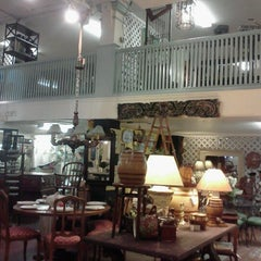 Photo taken at vintage bank antiques by Jen C. on 8/5/2012
