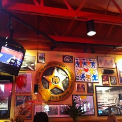 Photo taken at Red Robin Gourmet Burgers by Akshay M. on 7/30/2011