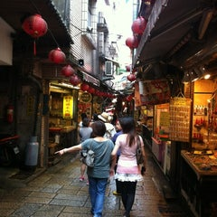 Photo taken at 九份老街 Jiufen Old Street by Jerry L. on 8/4/2012