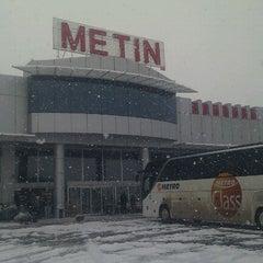 Photo taken at Metin Dinlenme Tesisleri by Buğra C. on 1/31/2012