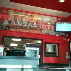 Photo taken at Pizza Hut by stacey j. on 8/1/2012