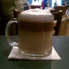 Photo taken at Highland Coffees by Duc V. on 4/17/2012