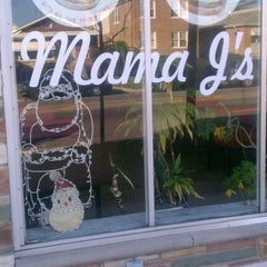 Photo taken at Mama J's Famous Burgers by Roderique on 11/15/2011