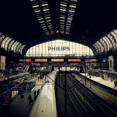Photo taken at Hamburg Hauptbahnhof by EROK on 9/12/2012