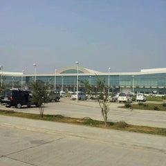 Photo taken at Lal Bahadur Shastri International Airport, Varanasi (VNS) by Giridhar Y. on 12/6/2011
