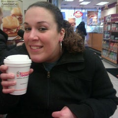Photo taken at Dunkin' Donuts by Mina V. on 1/22/2012