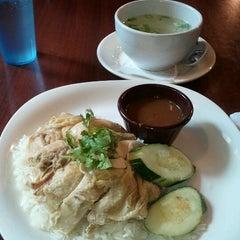 Photo taken at Bennie's Thai by Emm P. on 9/4/2012