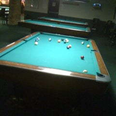 Photo taken at Chicago Billiards Cafe by Benny on 1/17/2012