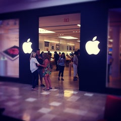 Photo taken at Apple Store, Chandler Fashion Center by Irina V. on 6/10/2012