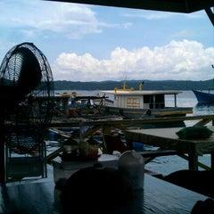 Photo taken at Esplanad Sidek by Zeck 9. on 4/20/2012